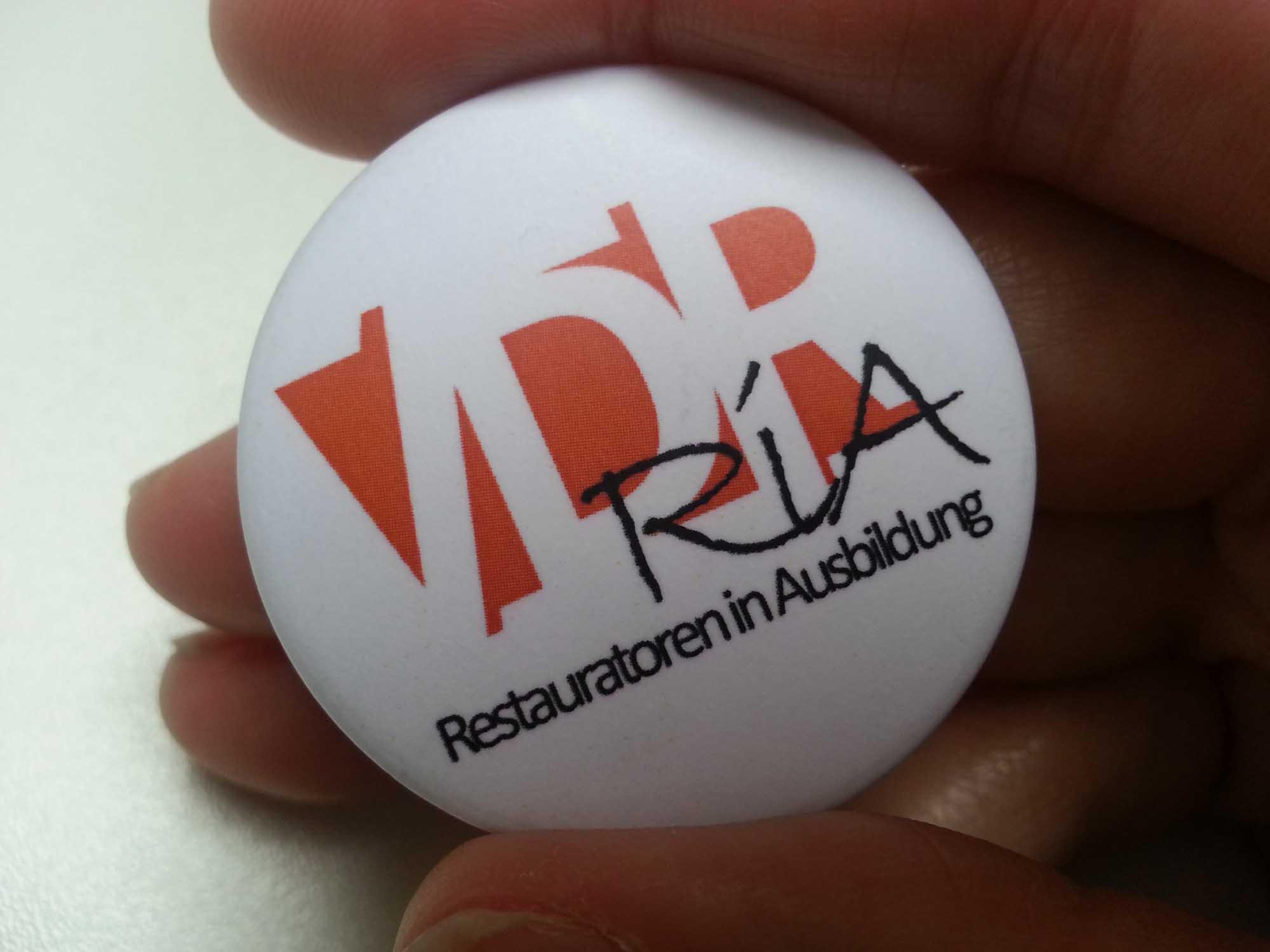 Euren persönlichen RiA-Button erhaltet Ihr kostenlos auf unseren Veranstaltungen. Foto: VDR