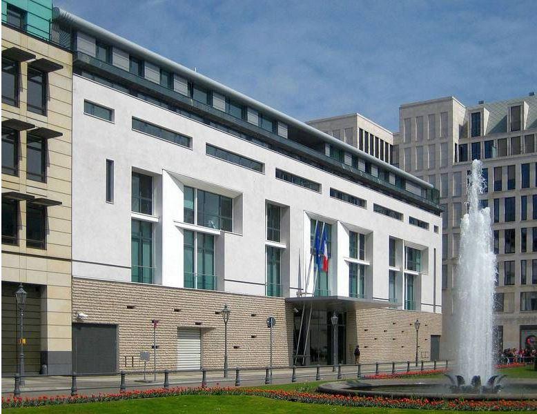 Die französische Botschaft in Berlin (Foto: Wikipedia; Beek100; CC BY-SA 3.0)