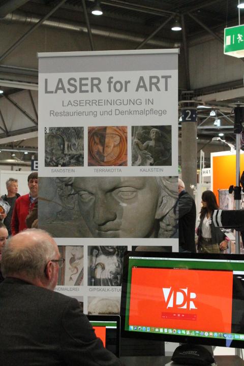 Besucher konnten sich beim VDR-Stand über die Sondertechnik Laser informieren. Foto: Christiane Schillig