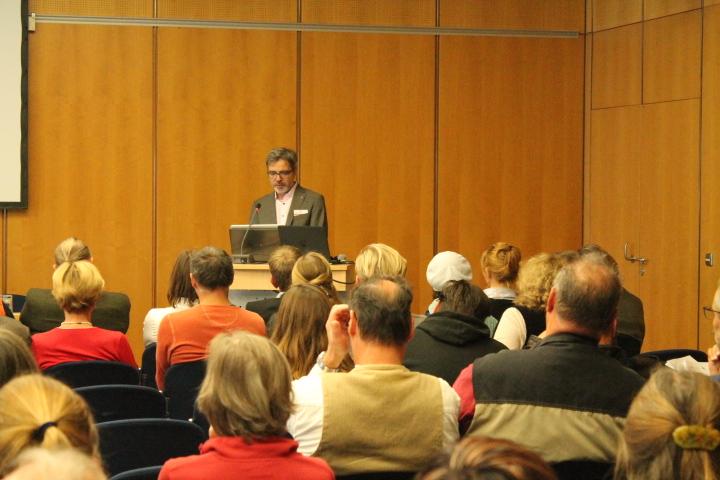 VDR-Präsident Prof. Dr. Jan Raue meinte in seinem Grußwort, dass eine Zusammenarbeit im Tandem ein richtig kleiner Elektromotor sein kann. Foto: Christiane Schillig