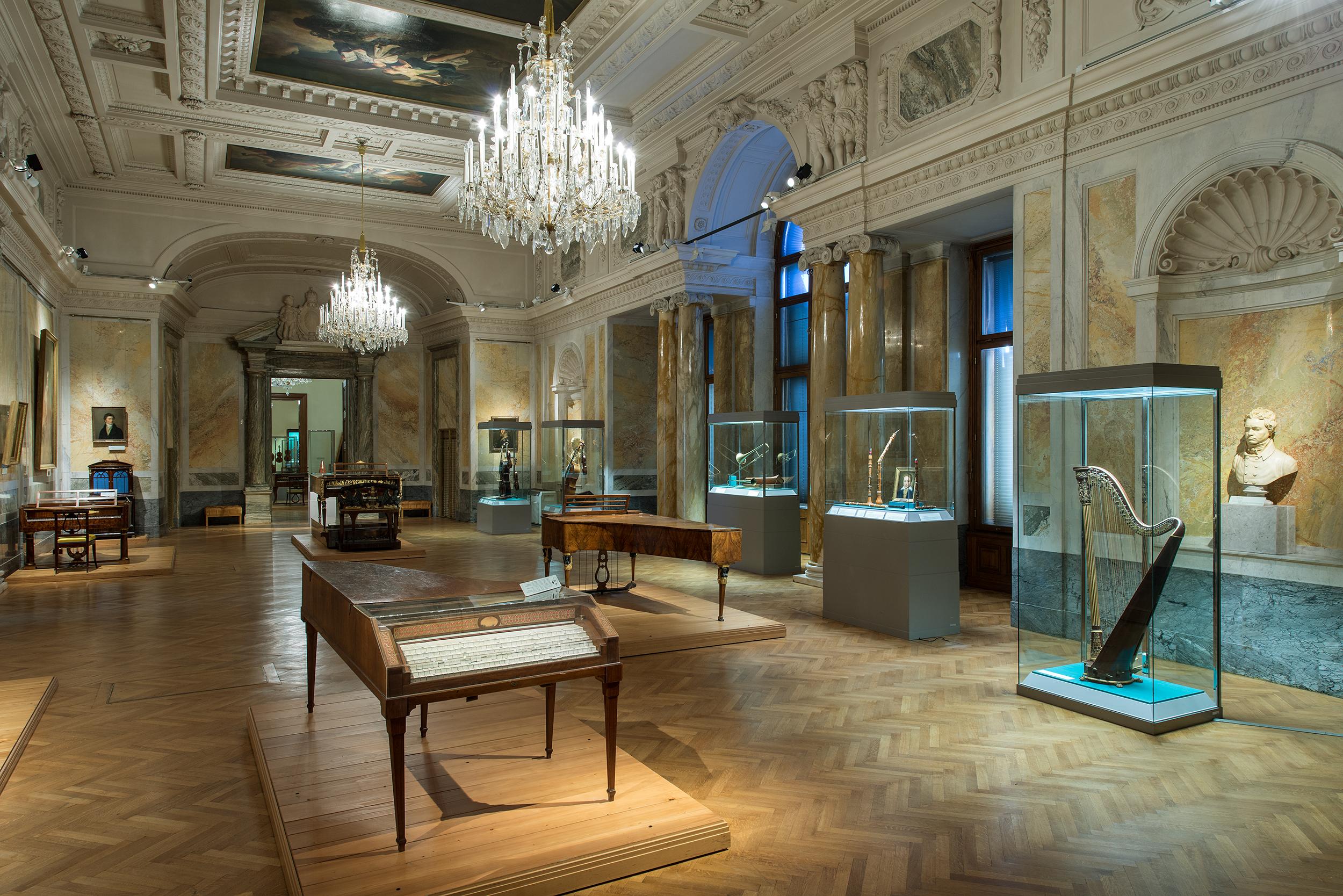 KHM-Museumsverband. Marmorsaal der Sammlung alter Musikinstrumente, 2013