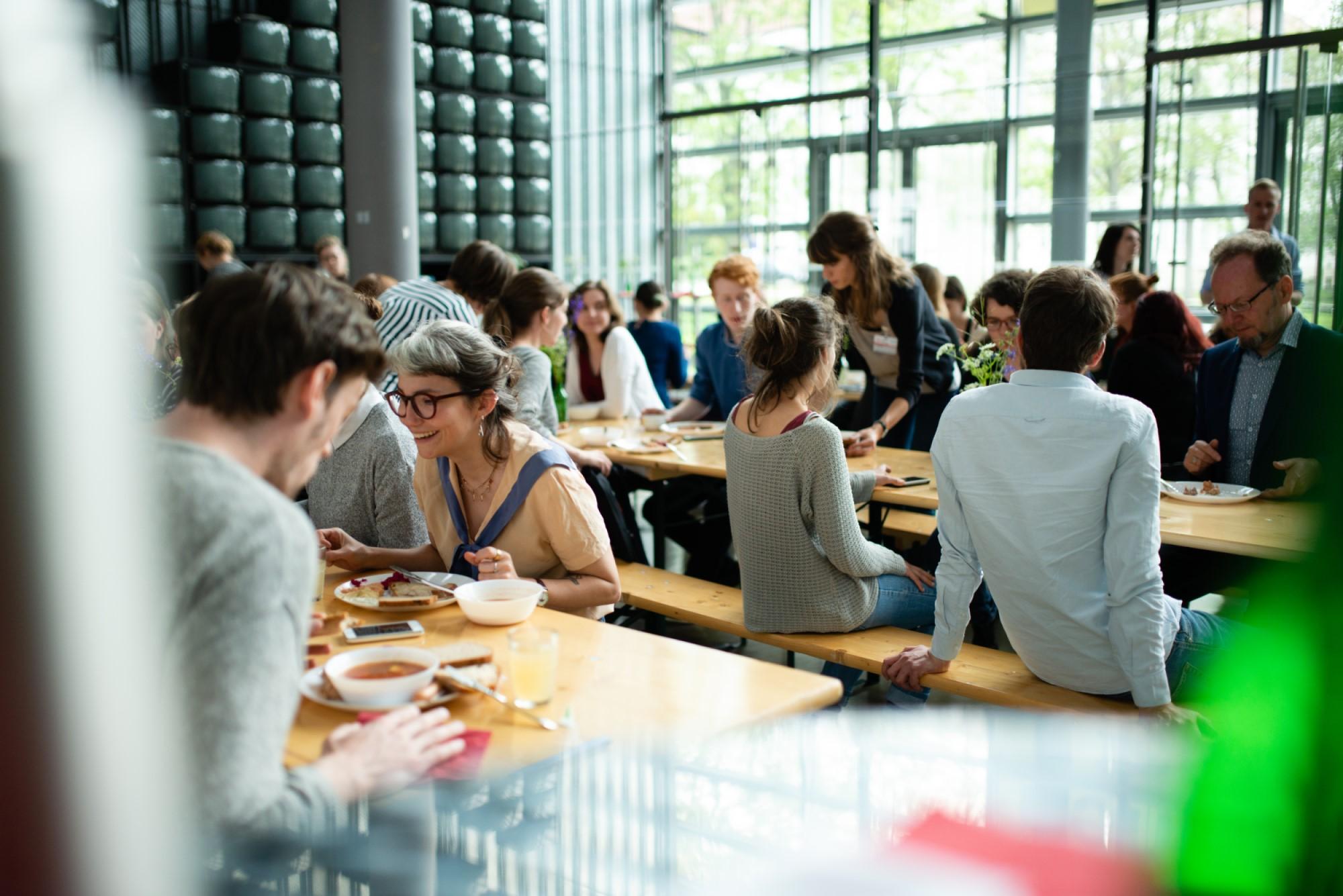 9. VDR Studierendenkolloquium im Mai. Gemeinsames Mittagessen (Foto: Dennis Mitschke, 2019)