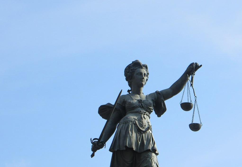 Justizia, Freiberuflichkeit