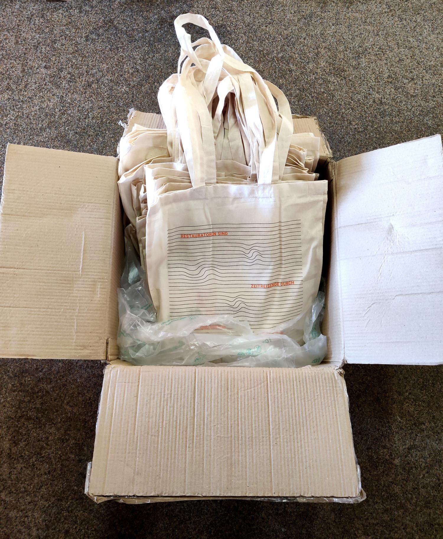 Weitere Pakete stehen bereit.