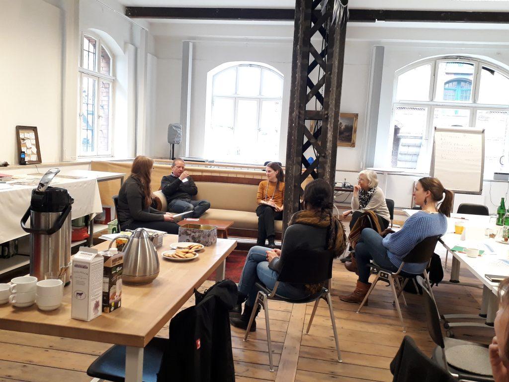 """Seminar """"Honorare verhandeln"""" 2019 in Hamburg. Foto: Julia Kun"""