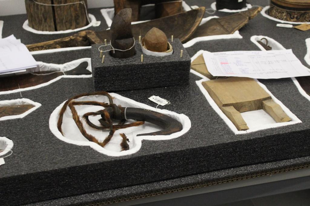 Die Fachgruppe Ethnografische Objekte/Völkerkunde trifft sich bei einer Exkursion im Rautenstrauch-Joest-Museum in Köln.