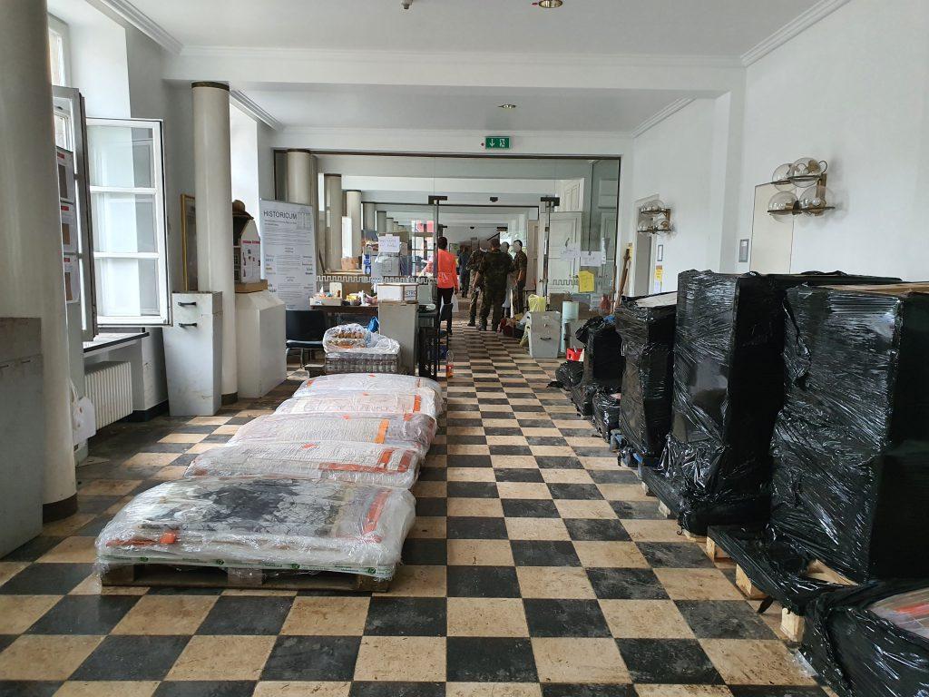 Stadtarchiv Stolberg während der Bergungsarbeiten. Foto: Anneke Horstmann