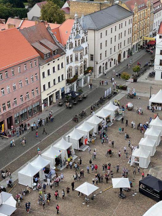 Blick von der Stadtkirche auf den Wittenberger Marktplatz.